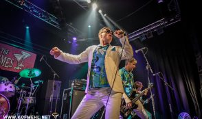 Me First And The Gimme Gimmes & Masked Intruder & Walking With Ghosts 33