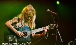 Sarah Lesch 22
